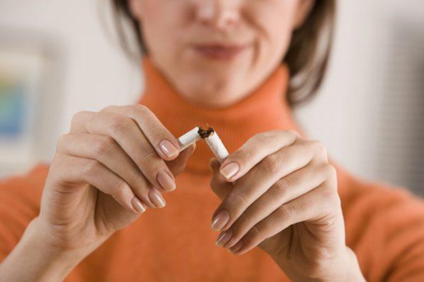 почему во время курения икота
