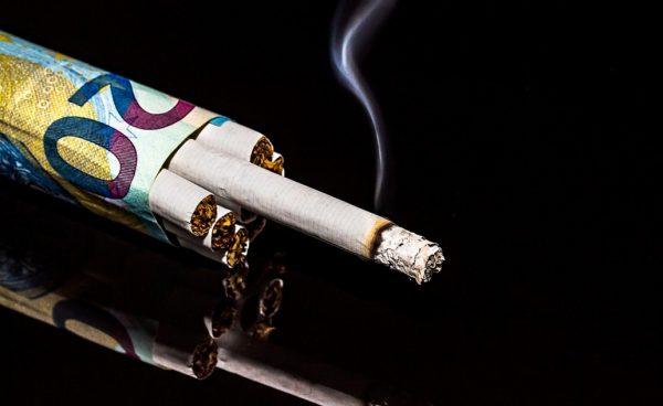 В медицине даже имеется характеризующий термин – «никотиновая импотенция», возникающая от курения.