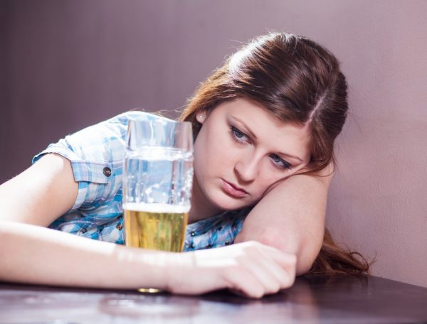 The abuse of beer threatens not only the health problems, but with your personal life.