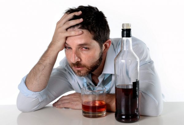 alcohol greatly affects a person's appearance, in the eyes of fatigue and dullness