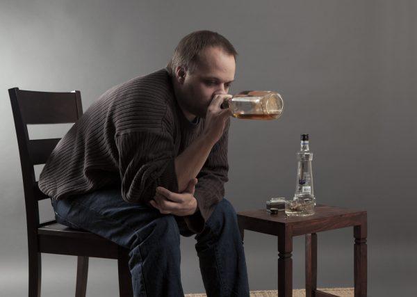 бытовое пьянство причины