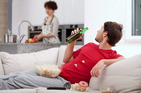 Як допомогти чоловікові відмовитися від алкогольної залежності?