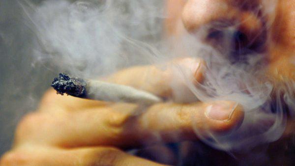 Сколько человек умирает от курения