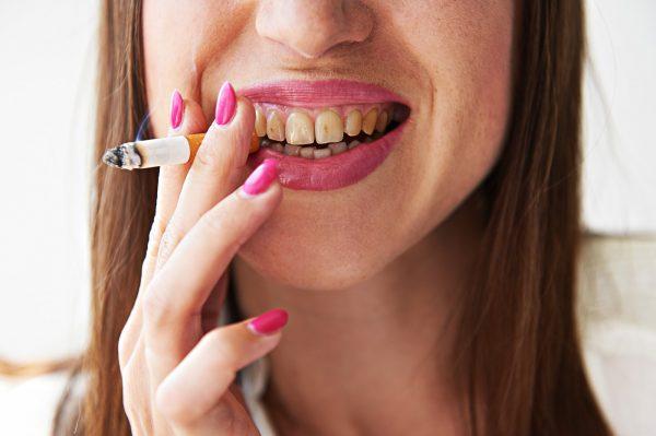 Можно ли курить, удалив зуб мудрости