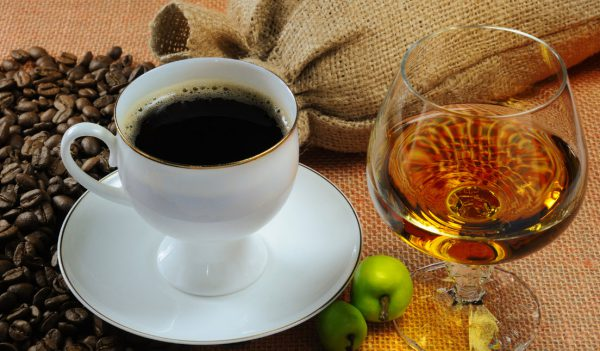 Можно пить алкоголь после кофе