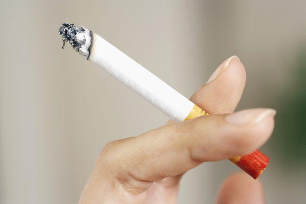 can Smoking cause allergies
