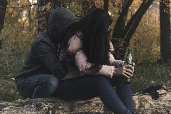 разница между алкоголиком и пьяницей