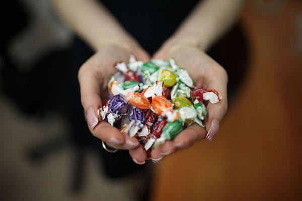 конфеты наркотики в школе