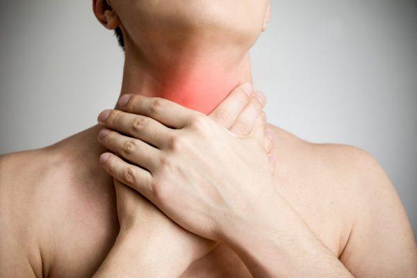 Першит горло после курения